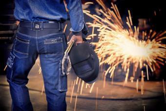 Werkspijkerbroek-met-kniestukken
